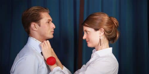 chemise bleue tissu égyptien, prix chemise sur mesure, chemise homme, chemises, comment choisir une chemise sur mesure, chemise sur mesure, chemise sur mesure de luxe, clotilde ranno, prise de mesures, couturière