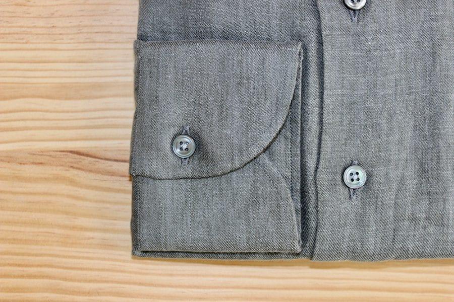 Chemise grise coton égyptien, chemise grise coton égypte, chemise grise, chemise mix coton lin, chemise lin, chemise en lin gris, chemise casual, chemise décontractée, belle chemise, chemise originale, chemise luxe, chemise boutons en nacre, chemise col italien, clotilde ranno, chemise paris, atelier chemise, boutique chemise
