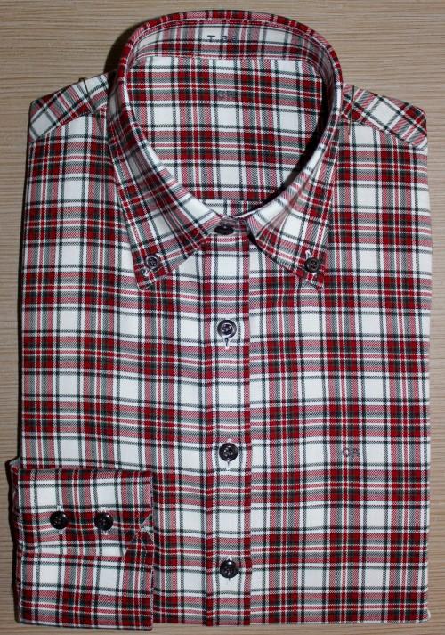 chemises casual, chemise coupe droite, chemise femme, chemise à carreaux, chemise femme col boutonné, chemise col boutonné, chemise poignets doubles boutonnages, chemise gorge surpiquée, chemise bas liquette