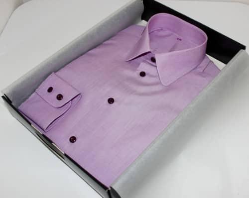 Chemise violette tissu égyptien, Chemise sur mesure, chemise homme, chemise bas droit, chemise sans gorge, chemise poignet double boutonnage, chemise col pointes arrondies, chemise violette