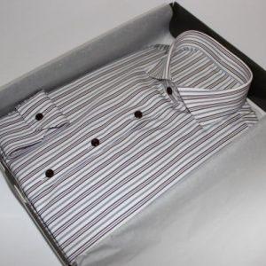 Coffret cadeau chemise sur mesure ,Chemise sur mesure femme, chemise femme, chemise à rayures, chemise en coton, chemise col italien ouvert, chemise coupe droite, chemise sans gorge, chemise bas liquette, chemise manches longues