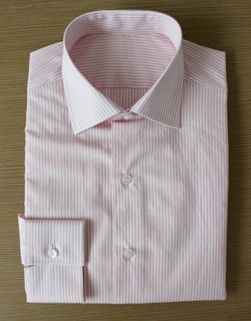 chemise rayée rose ,chemise à rayures, chemise bas liquette, chemise business, chemise col italien ouvert, chemise coton, chemise homme, chemise rose, chemise simple retors