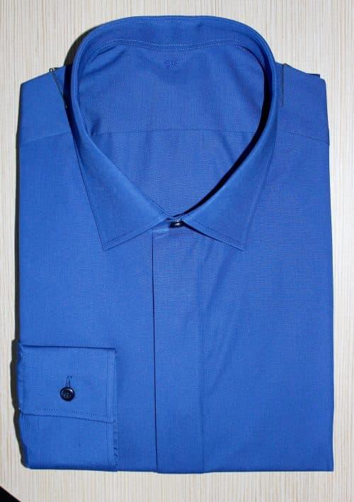 chemise unie bleue, chemise bleue, Chemise col italien, chemise gorge cachée, chemise homme, Chemise luxe, Chemise poignets mixtes, chemise bas liquette, chemise coton