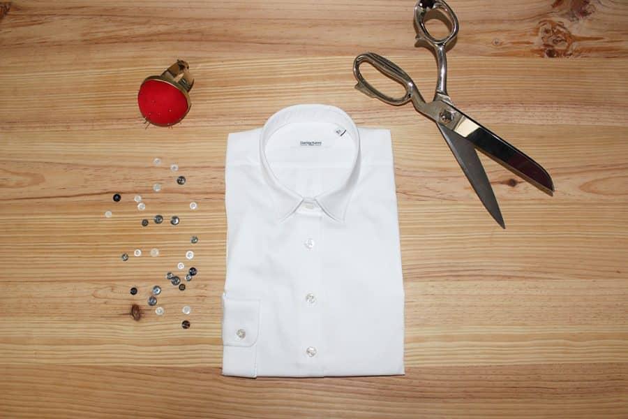 Chemise sur mesure blanche, chemise cintrée, chemise sur mesure, chemisier sur mesure, chemise femme sur mesure, chemise blanche, chemise luxe, clotilde ranno, clothilde ranno, clotilde rano, clothilde rano, chemise col mini, boutique chemise, chemises luxe, belle chemise