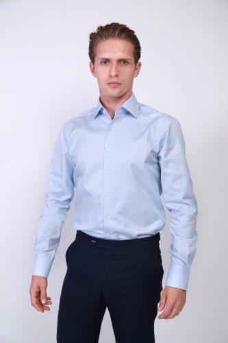 chemise bleue tissu égyptien, chemise sur mesure, coffret cadeau chemise sur mesure, coffret cadeau homme, bon cadeau chemise sur mesure, chemise business, chemise rayée, chemise homme, clotilde ranno, chemise col cutaway, belle chemise, chemise luxe, chemise classique, dandy, chemise dandy