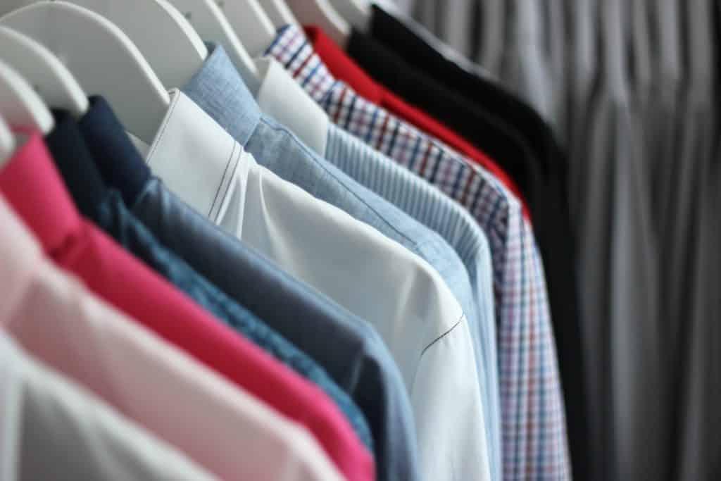 chemise décontractée, chemise sur mesure, chemise homme, chemise femme, chemise à carreaux, chemise à rayures, chemise en denim, chemise imprimée, chemise fleurie, chemise liberty