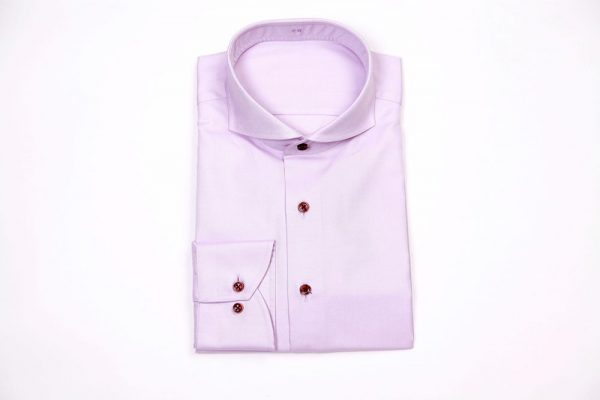chemise violette, chemise mauve, chemise rose, chemise col cutaway, chemise poignet rond, chemise poignet arrondi, chemise bouton rouge, chemise sur mesure, chemise luxe, chemise homme, chemise, chemises, coffret cadeau chemise sur mesure, clotilde ranno