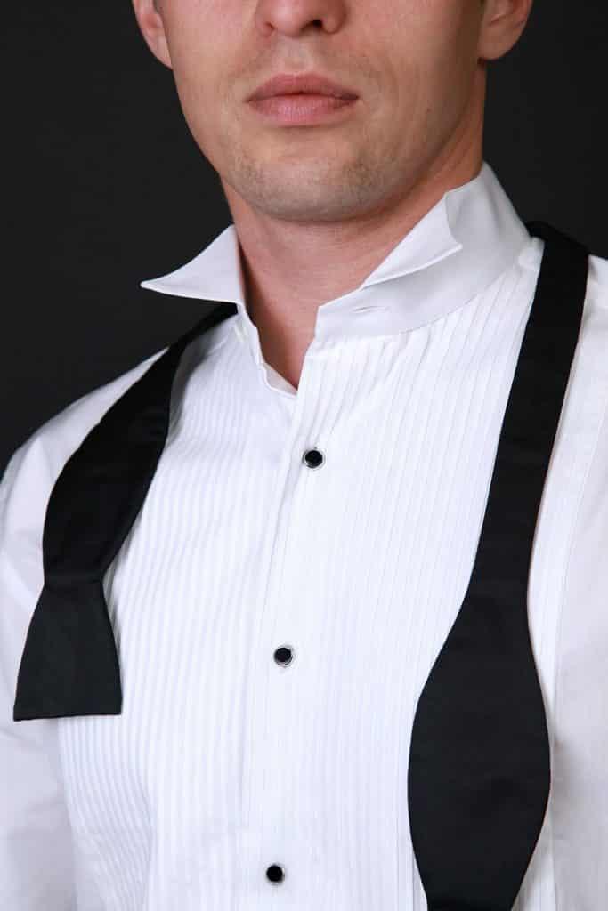 chemise smoking, chemise de smoking, chemise mariage, chemise de mariage, chemise marié, chemise de marié, chemise blanche, chemise sur mesure, chemises sur mesure, vraie chemise de smoking, chemise col cassé, chemise plastron, chemise boutons studs, chemise boutons goujon