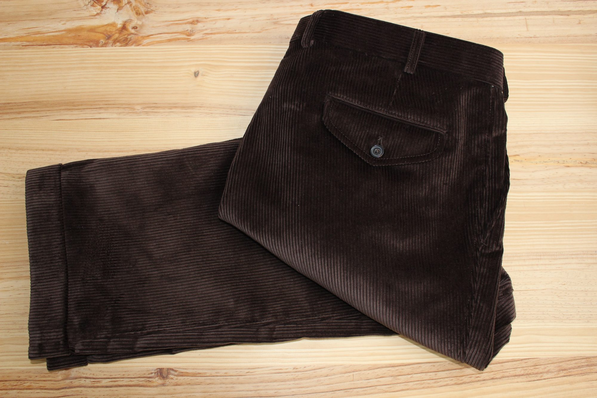 pantalon velours côtelé marron sur mesure , pantalon velours côtelé , pantalon casual sur mesure , pantalon marron