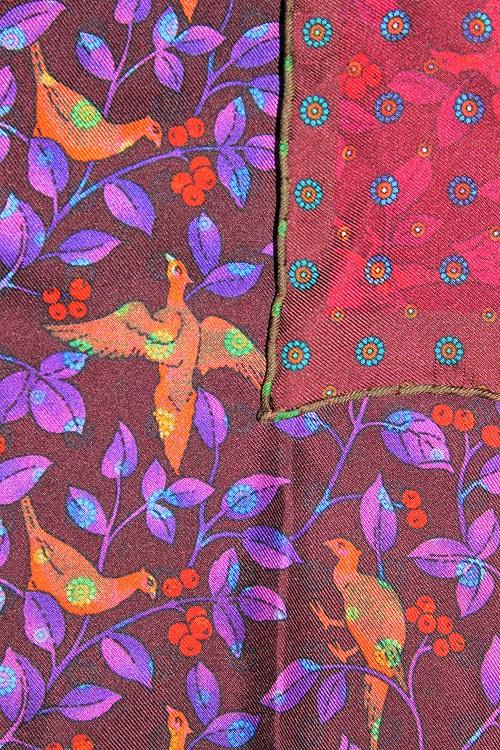 motif poétique, pochette de costume poétique Calabrese, en soie de Come,