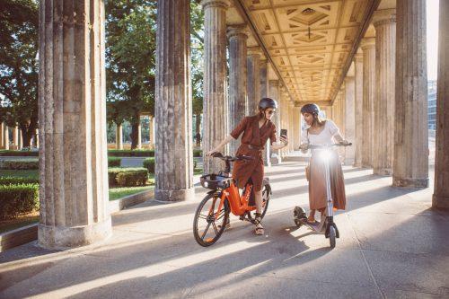 allure vélocipédique, chic en vélo, vélo sur mesure, atelier clotilde ranno, élégance vélo, vélo taffeur