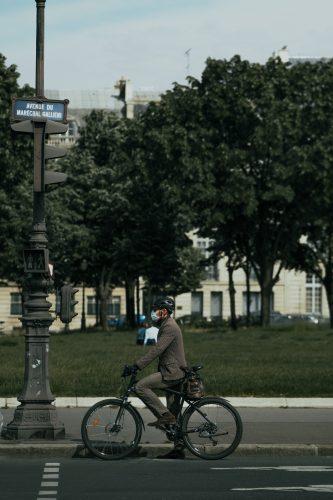 allure vélocipédique, chic en vélo, atelier clotilde ranno, élégance vélo, vélo sur mesure
